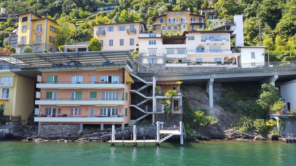 Ronco sopra, Schweiz